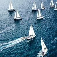 Rallye nautique à la voile sur la Côte d'Azur: team building hors du commun!